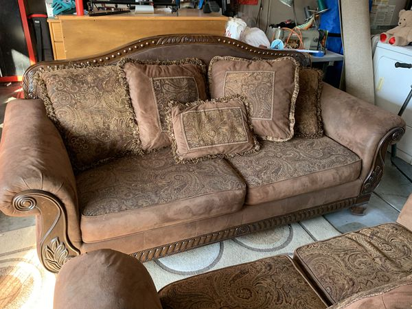 Couch And Love Seat 500 Obo For Sale In Moreno Valley Ca
