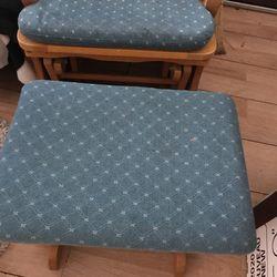 R, Chair Thumbnail