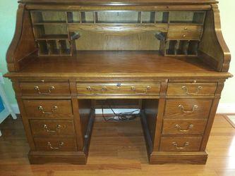 Antique desk with 🔐 lock Thumbnail