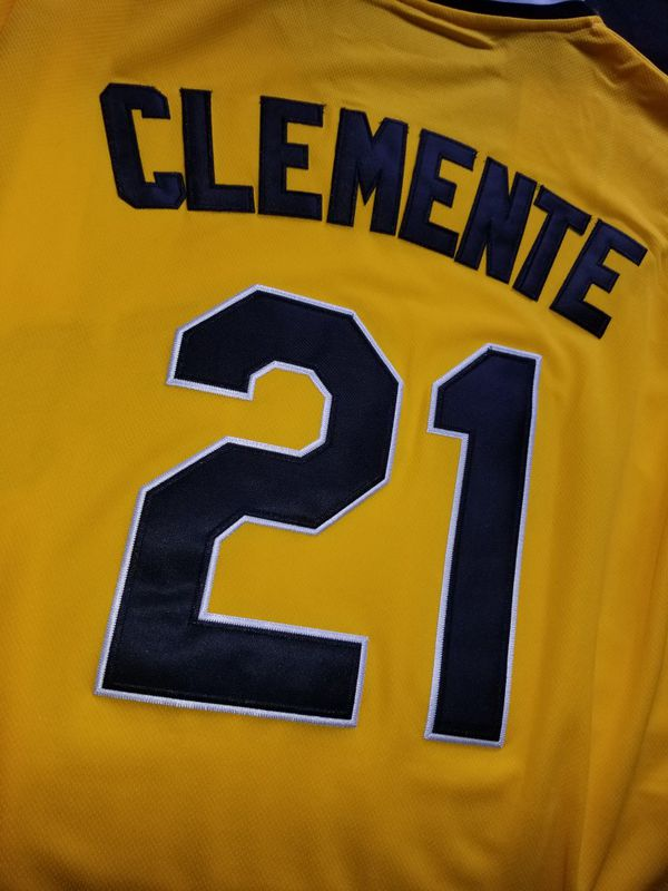 more photos 0be29 14c8f Pittsburgh Pirates Roberto Clemente throwback jersey mlb baseball for Sale  in San Diego, CA - OfferUp