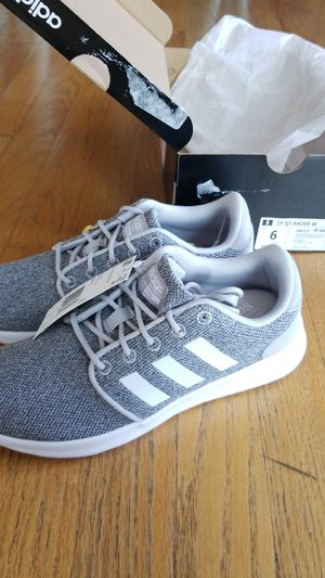NIB Womens Adidas size 6 running shoes for Sale in Yorkville 8adceb3066e9d