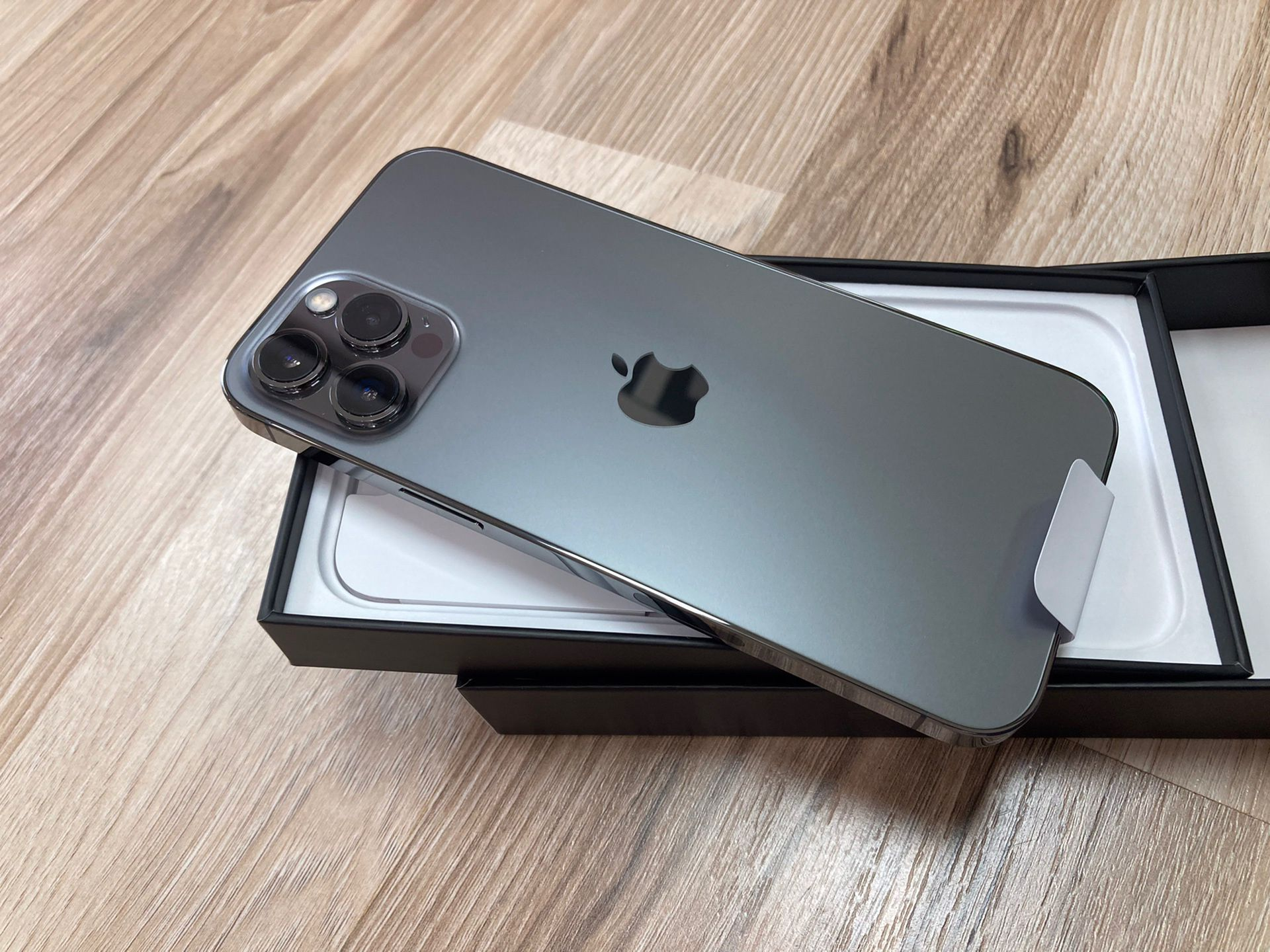 IPHONE 12 PRO MAX/UNLOCK/128GB/AVAILABLE NOW/YOU CAN FINANCE IT O PAY CASH/NO CREDIT/$50-$80DOWN