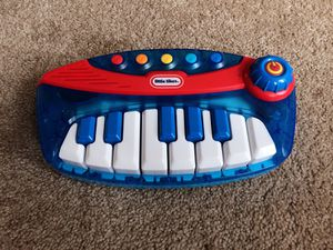 Kid's electronics keyboard toy for Sale in Alexandria, VA