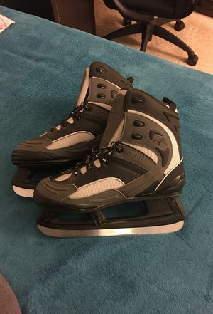 ICE SKATES RIEDELL PRO RACER plus PROTECTORS SIZE 11 for Sale in Bethesda, MD