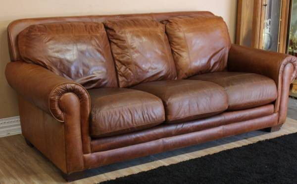 HAVERTYS LEATHER COUCH SOFA for Sale in Tampa, FL - OfferUp