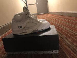 Jordan 5 white metallic MUST COME TO ME for Sale in Hyattsville, MD