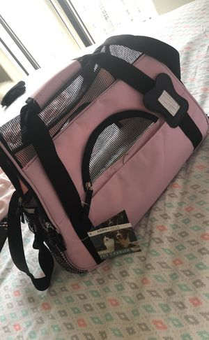 M/L Pink Pet Carrier for Sale in Orlando, FL