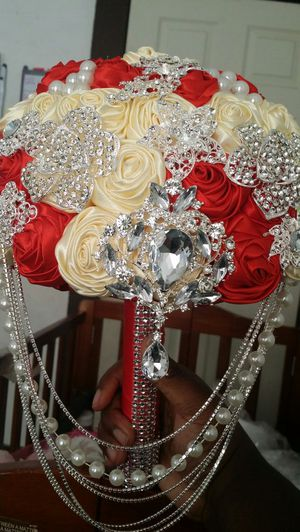 Hanging crystals bride bouquet for Sale in Columbus, OH