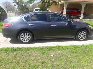 2013 Nissan altima for Sale in Austin, TX