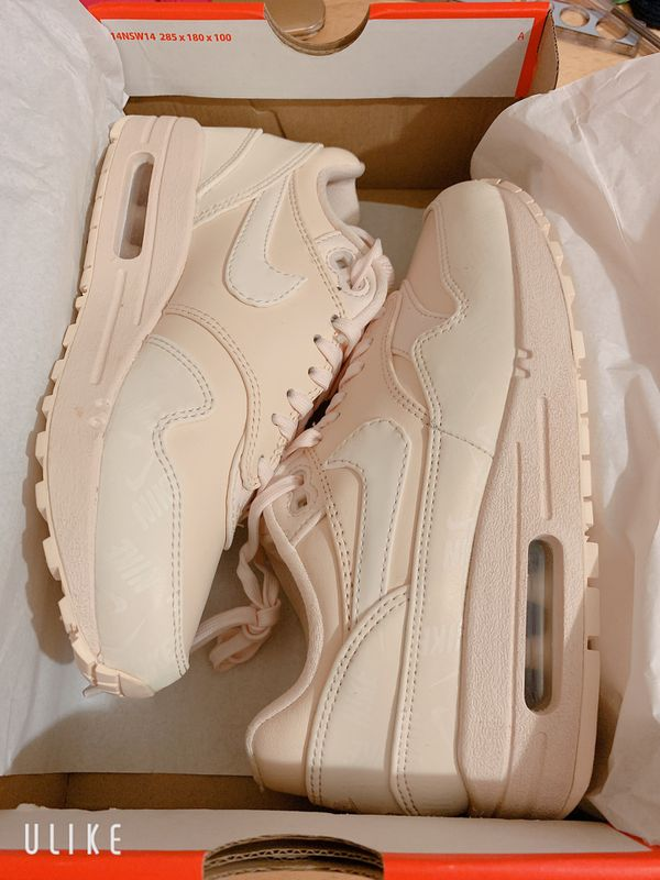 outlet store d5314 44b40 Nike Air Max 1 Lux Women s Shoes Size 5 (Guava Ice) DEADSTOCK. Walnut ...