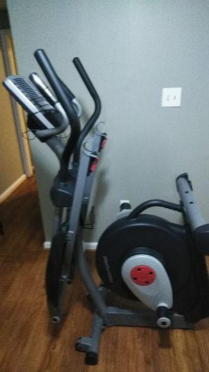 Máquina para hacer ejercicio eleptica la vendo por que no tengo espacio y me voy a. Mudar interesados texto por favor for Sale in Woodbridge, VA
