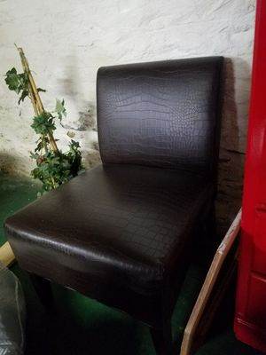 Leather lounge chair for Sale in Pittsburgh, PA