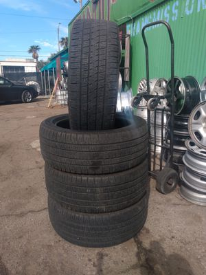 Photo I'm selling these 4 tire for $200.00 brand bridgestone's and size 285/45/22 and that includes install and balanced or carry out $150.,00
