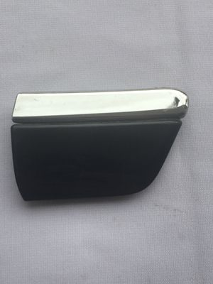 2008-2010 AUDI A8 QUATTRO S8 SEDAN FRONT RIGHT FENDER CENTER MOLDING/TRIM BLACK OEM 4E0853974F for Sale in Roswell, GA