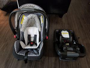Graco infant car seat w/ base for Sale in Alexandria, VA