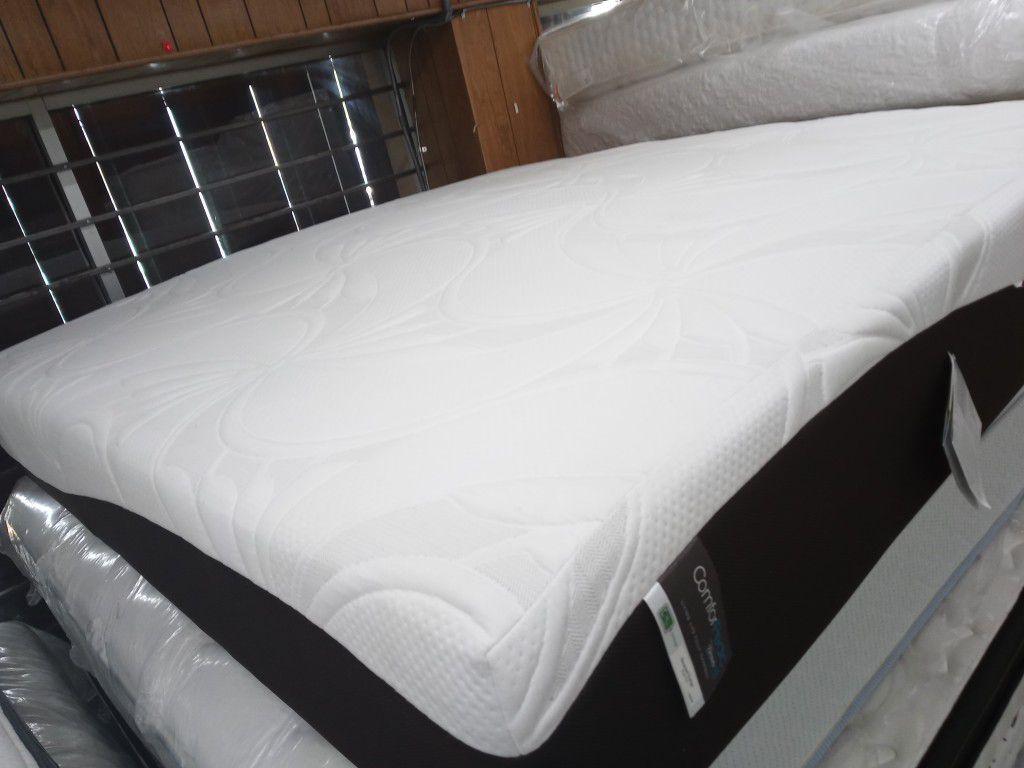 Colchón King size memory foam en excelente condiciones