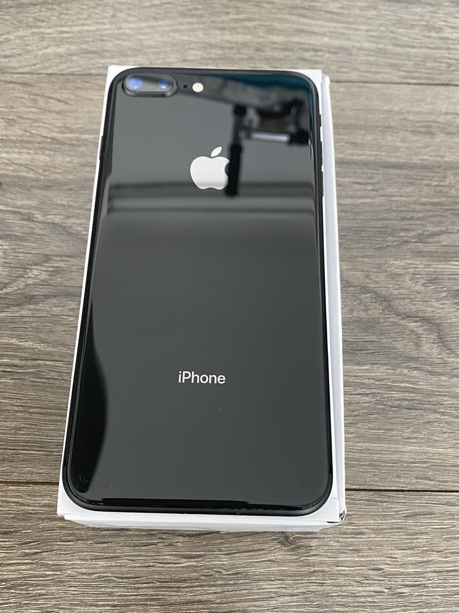 IPHONE 8 Plus 64GB Black Unlocked For Any Simcard