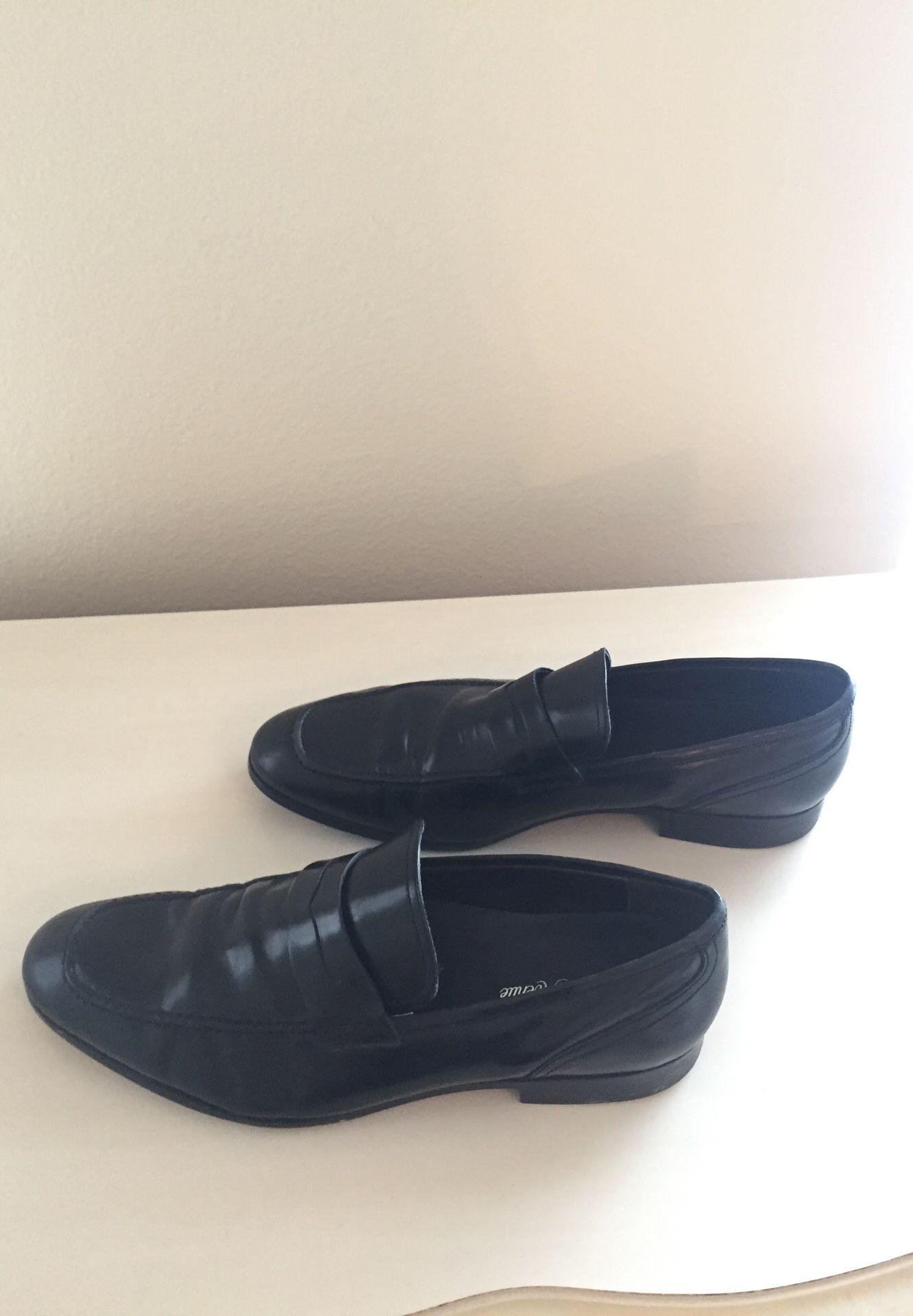 Men's black leather loafer Saks Fifth Avenue size 11