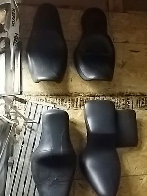 Harley seats make offer for Sale in St. Louis, MO