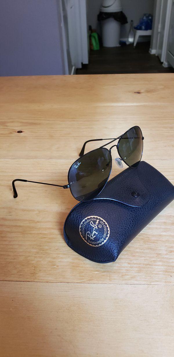 fc60bd0ae8 Ray Ban 3026 Aviator Classic Sunglasses Size 62 for Sale in San Antonio