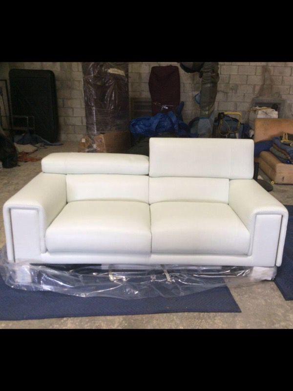 Natuzzi Italia Snow White 100 Leather Sofa With Flip Up Headrest For In Dania Beach Fl Offerup