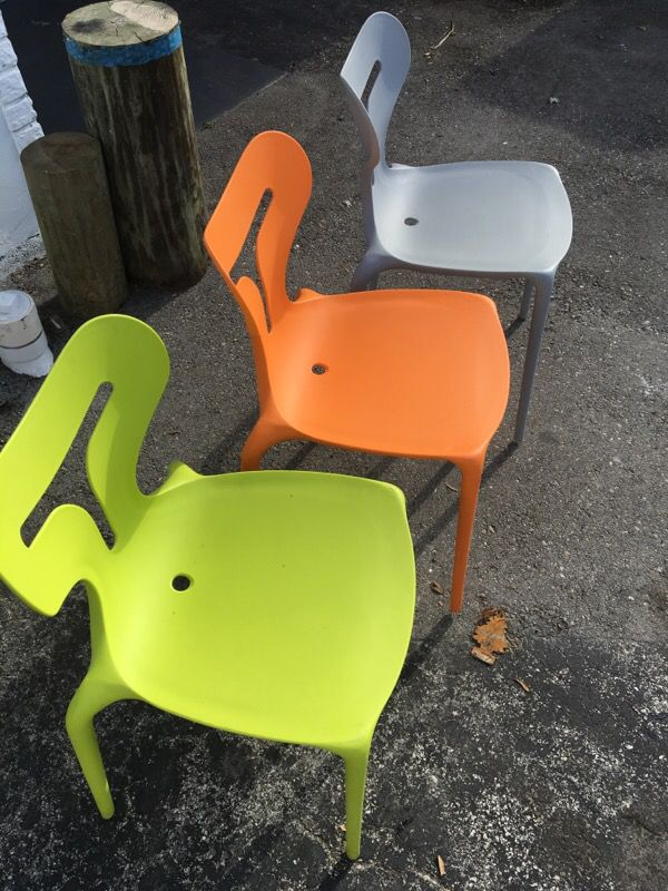Italian Calligaris Area 51 poly chairs - qty 30 for Sale in Fort ...