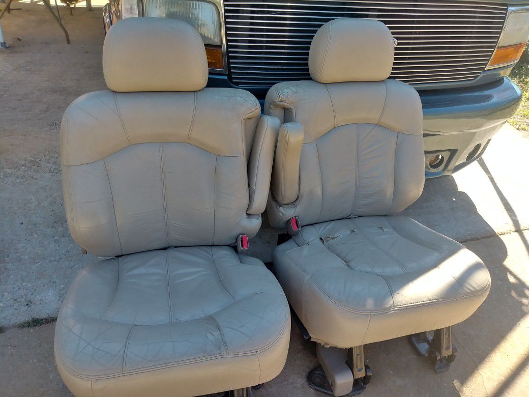 Second row seat for 2002 chevy suburban