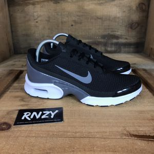 7b108c68c6b917 NEW Nike Air Max Jewell Women s 9 and 11 for Sale in Yarmouth