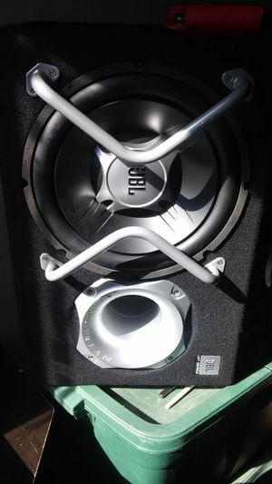12-inch speaker and built-in amp for Sale in Denver, CO