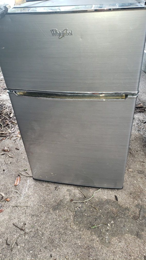 Mini Fridges with freezer