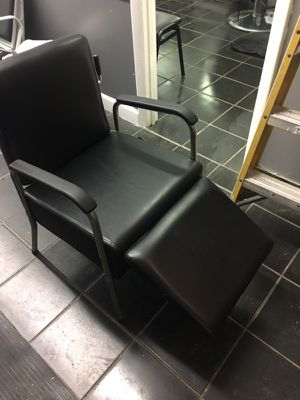 Shampoo chair for Sale in Hyattsville, MD