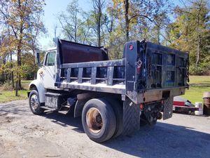 Photo 1997 International 8100 single axle dump truck