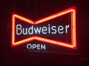 Photo Vintage Budweiser Neon Sign