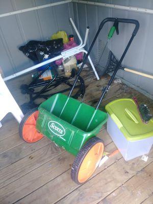 Scott fertilize for Sale in Victoria, VA