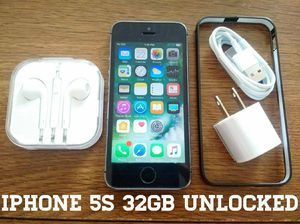Gray Iphone 5S UNLOCKED 32GB w/ Accessories for Sale in Arlington, VA