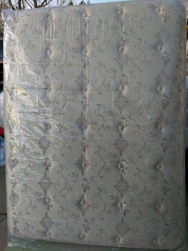 New Queen Sealy Posturepedic Fenway Ltd Ultra Plush Mattress