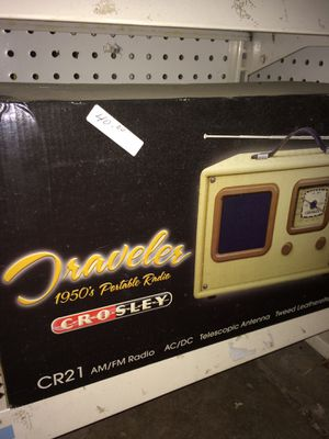 Portable radio for Sale in Cleveland, OH
