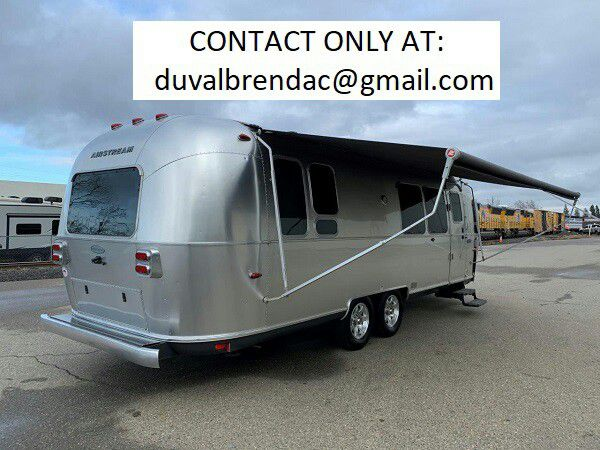 Photo nbxf2015 Airstream Flying Cloud 28 Camping Trailer RV