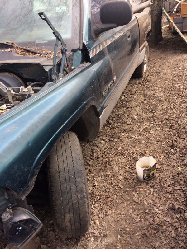 99 Dodge 150 no motor para partes