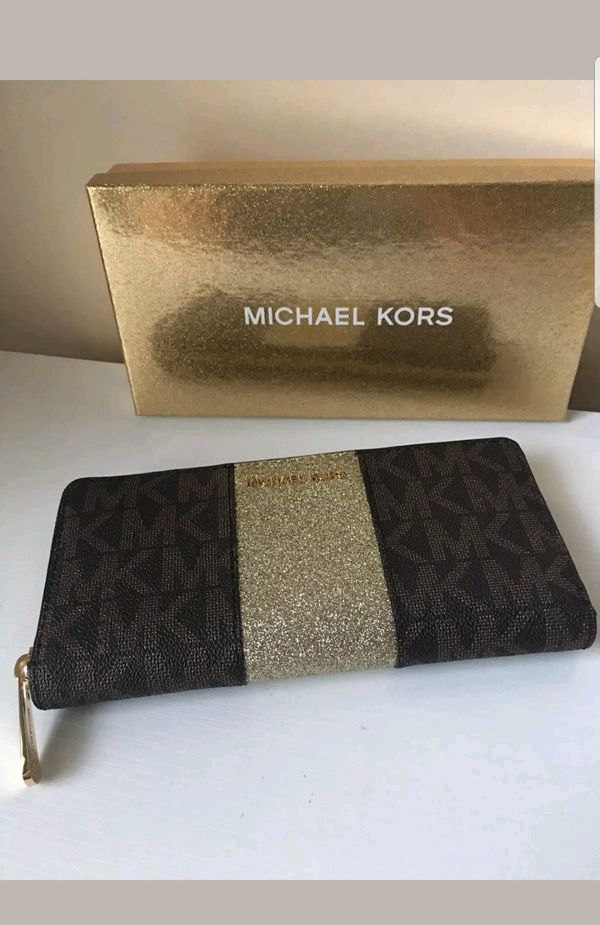 708de586bb5b ORIGINAL MK WOMEN WALLET NEW WITH TAG AND GIFT BOX (Jewelry & Accessories)  in Irvine, CA - OfferUp