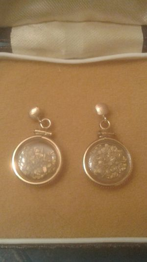 Photo 14k gold ear rings with real gold nuggets