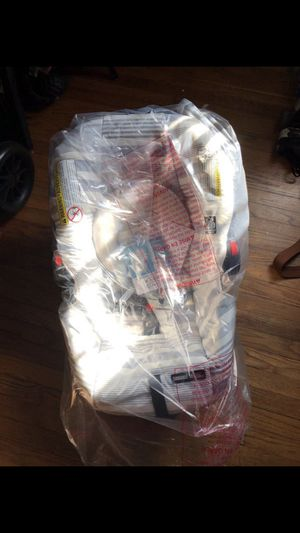 Free Graco Commercial Covertible Car Seat Snugride 30 Sands For Sale In Gardena CA