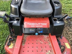 Photo Lawn mower Toro TimeCutter SS4235 (42) With bagger