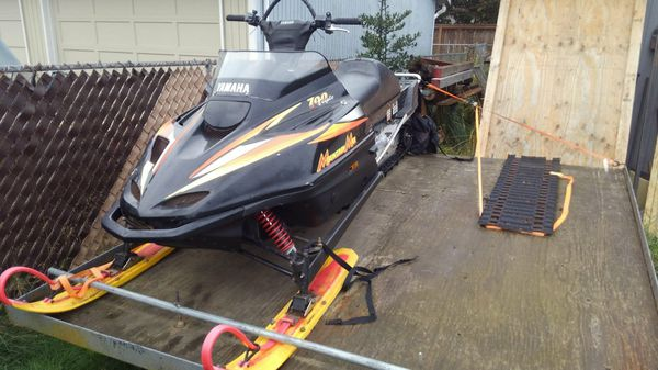 1999 Yamaha Mountain Max Snowmobile