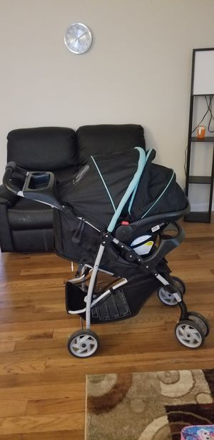 Baby carseat/stroller travel system for Sale in Marlow Heights, MD