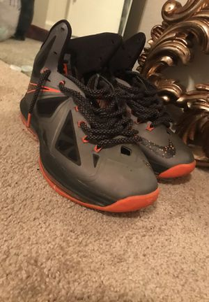 Lebrons size 9 for Sale in Silver Spring, MD