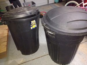 Two 32 gal Trash Cans for Sale in Potomac Falls, VA