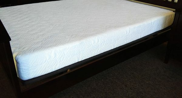 Brand New King Memory Foam Mattress Furniture In Carson City Nv