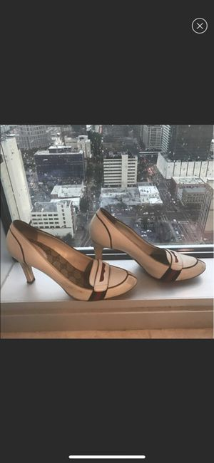 e6ad211aa24b12 Gucci shoes size 40 for Sale in Tampa