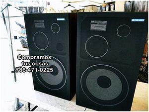 Pioneer CS-G301WAII Floor speakersPioneer CS-G301WAII Floor speakers for Sale in Miami, FL